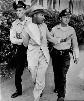 e3279-mlk_arrested2